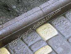 нестандартні гранітні бордюри