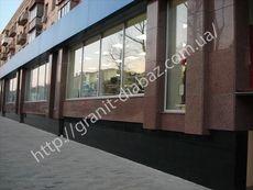 фасади з граніту у Львові