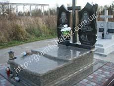 подвійні надмогильні гранітні пам'ятники